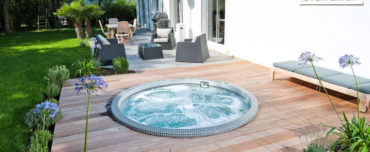 jacuzzi extrieur encastrable trendy jacuzzi exterieur encastrable with jacuzzi extrieur. Black Bedroom Furniture Sets. Home Design Ideas
